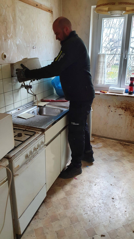 - Hausmeisterservice